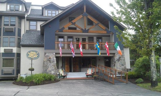 The Valley Inn: Exterior Summer