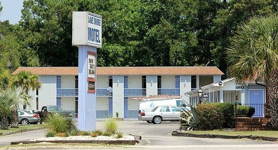 Lake Shore Motel