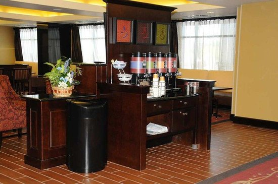 Hampton Inn Dupont Road: Coffee Zone