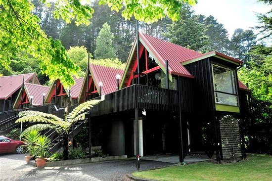 Coastal Motor Lodge: Chalet style accomodation
