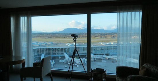 Fairmont Vancouver Airport: View from Room 1101