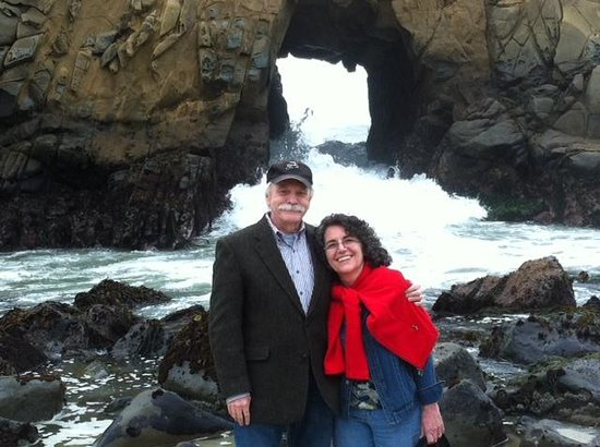 Ventana Inn &amp; Spa: Rita and Jim at Pfeiffer Beach March