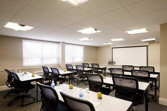 DoubleTree by Hilton Hotel Philadelphia - Valley Forge: Small Meeting Room