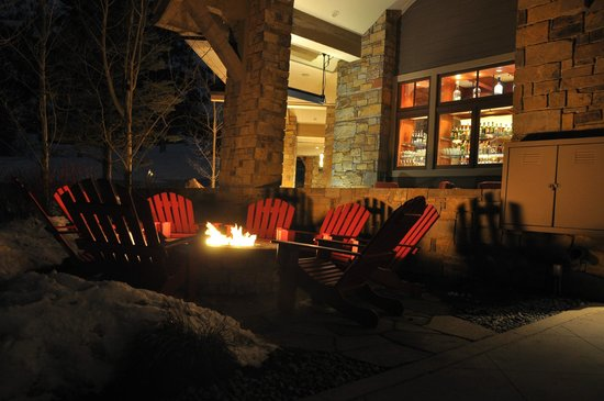 Four Seasons Resort Jackson Hole: Cozy spot!