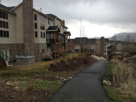 ‪‪Eden‬, ‪Utah‬: Path right outside of the condos‬