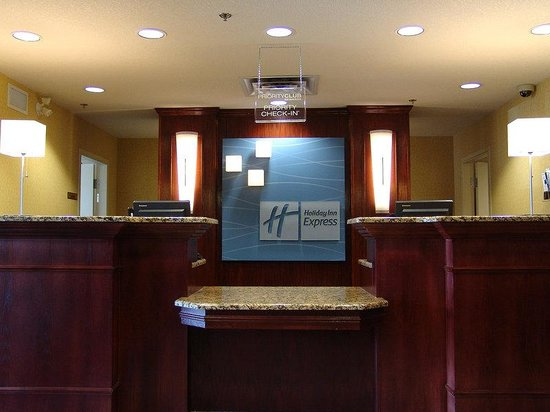 Red Roof Inn Brentwood / Nashville: Front Desk