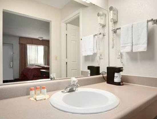 Ottawa, KS : Bath Room