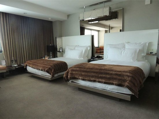 SLS Hotel at Beverly Hills: SLS Hotel Bedroom