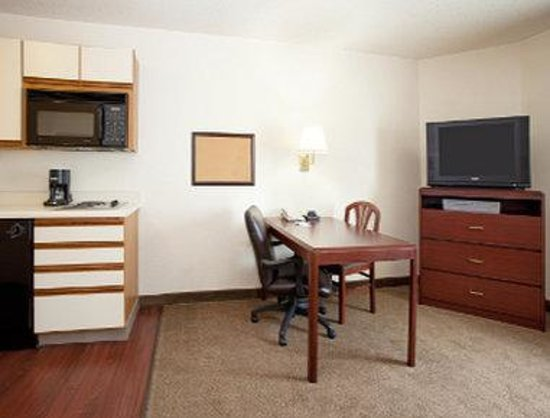 Hawthorn Suites by Wyndham Denver Tech Center: Suite