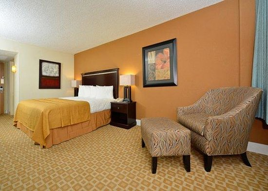 Photo of Quality Inn & Suites Sherman