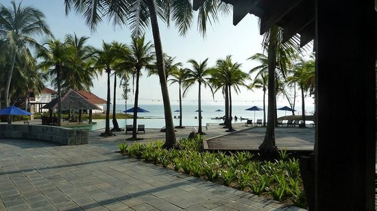 Marang, Malaysia: View over the Pool from corner of  Restaurant