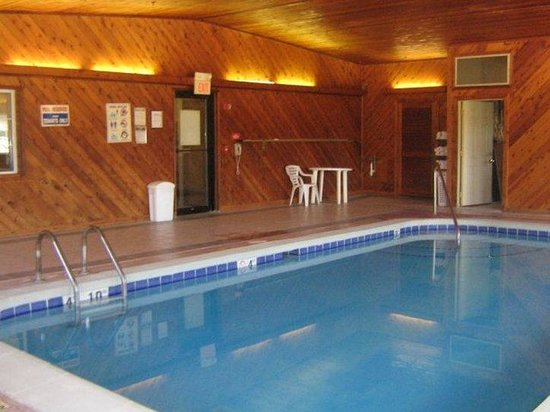 Geneseo, IL: Indoor Pool