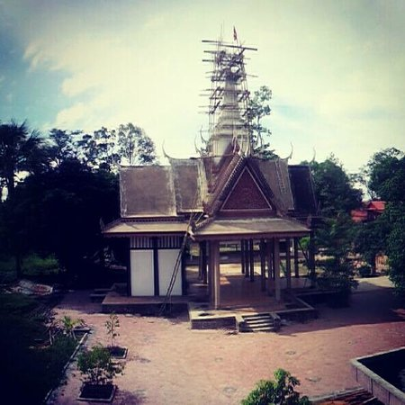 The Siem Reap Hostel: the temple at the back (view from the yoga room)