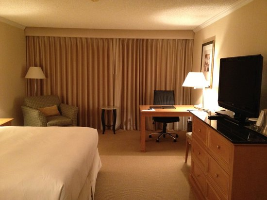 Hilton Sacramento Arden West: Executive floor room