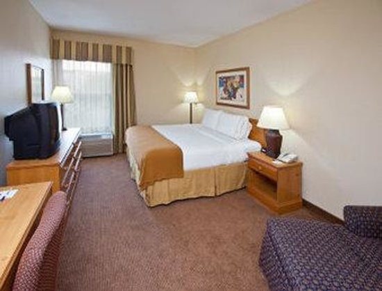 Baymont Inn and Suites Fishers / Indianapolis Area: Guest Room
