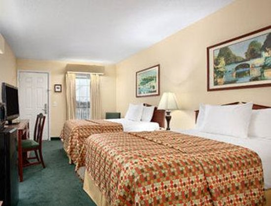 Baymont Inn & Suites Grenada: Standard Double Room