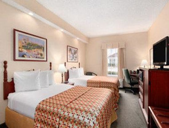 Howard Johnson Shreveport : Standard Double Room
