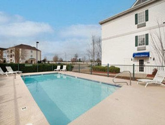Howard Johnson Shreveport : Pool