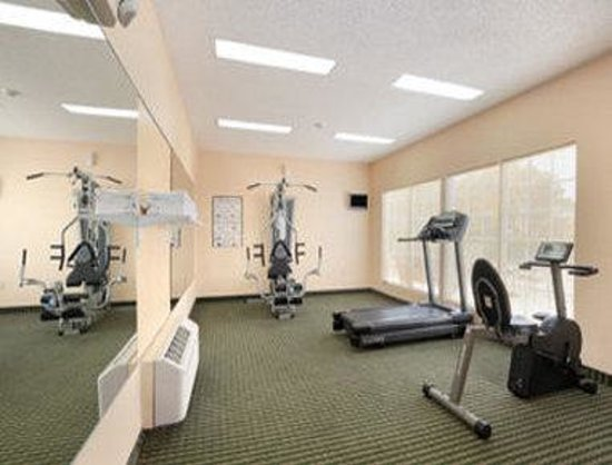 Howard Johnson Shreveport : Fitness Center
