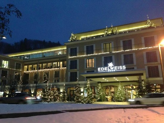 Hotel Edelweiss: Outside view