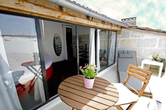 Barbentane, Francia: Terrasse privative sur les toits