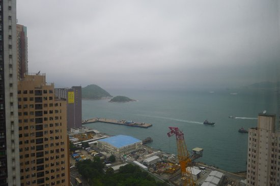 Dorsett Regency Hotel Hong Kong: Seaside room view.
