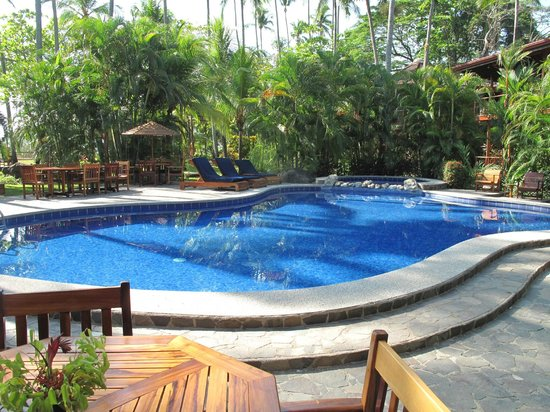 Tambor Tropical Beach Resort: Warm pool