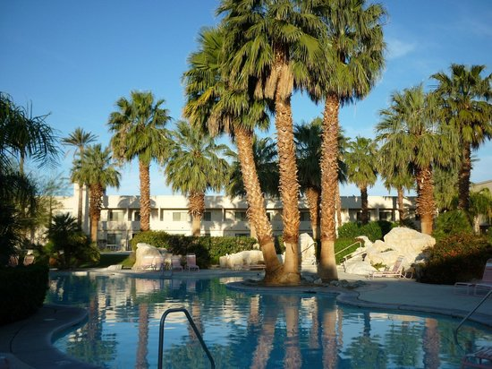 Miracle Springs Hotel and Spa: Main pool area