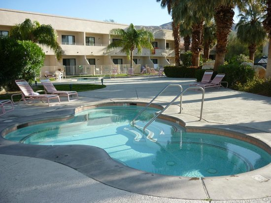 Miracle Springs Hotel and Spa: Spas