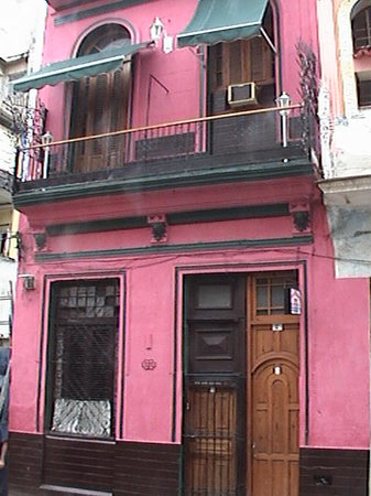 Casa Colonial Yadilis y Joel: Desde el frente