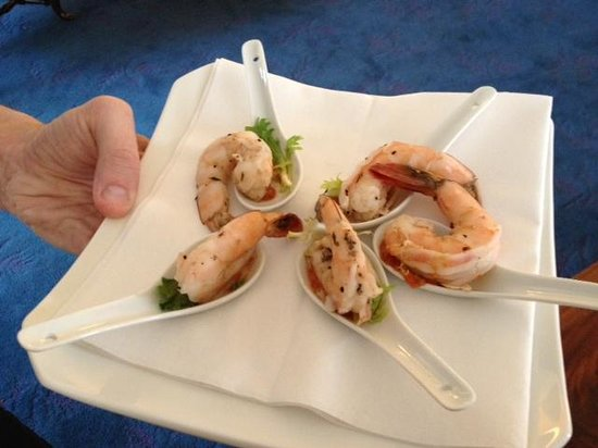Champney's Restaurant & Tavern : canapes