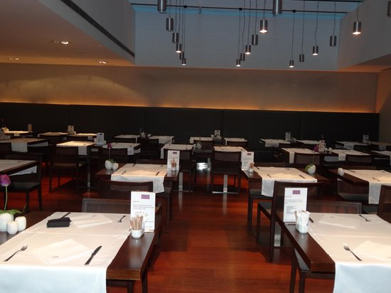 Ayre Hotel Gran Via : comfortable dining