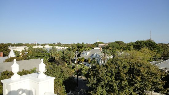Curry Mansion Inn: Widow's walk roof view