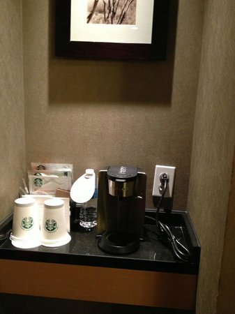 The Westin Detroit Metropolitan Airport: Starbucks coffee - great for morning picker upper!