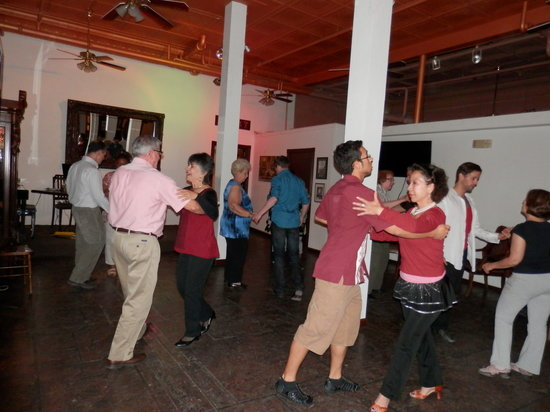 Gas Light Inn : Do Miss Tuesday Night Salsa Great Date Night
