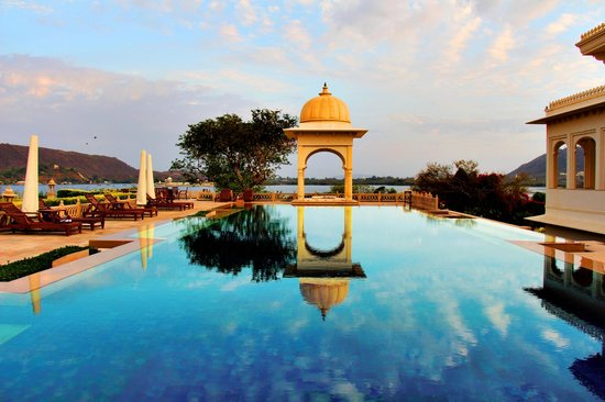 The Oberoi Udaivilas: The spa pool!