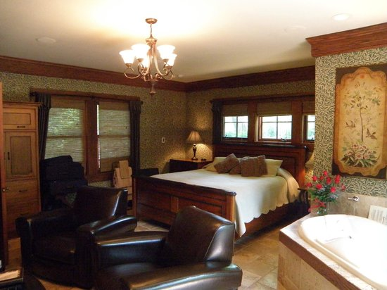 1900 Inn on Montford: Our spectacular room