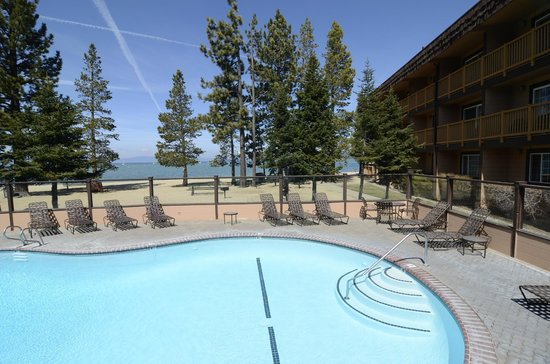 Tahoe Beach and Ski Club: Pool
