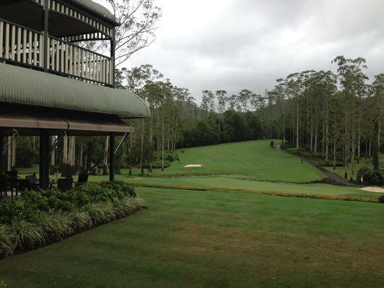 Bonville, Australie : View of 18th standing at the clubhouse