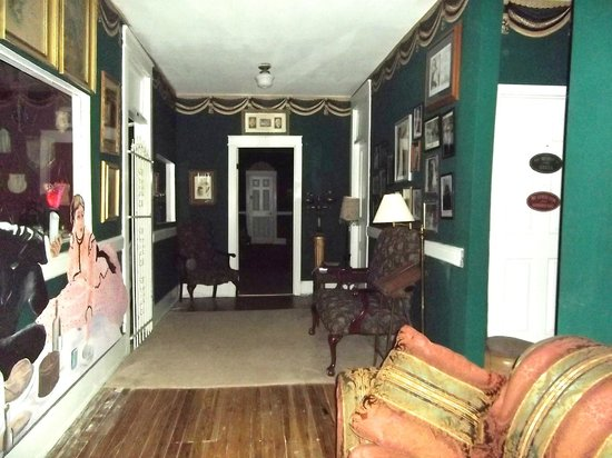 Thomas House: One of the hallways upstairs