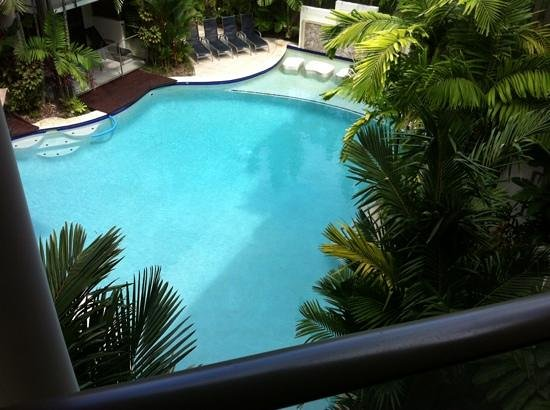 Shantara Resort  (Apartments) Port Douglas: Pool area