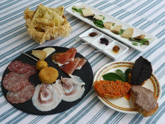 Paciano, Italien: Antipasto