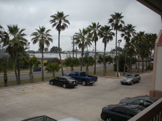 BEST WESTERN Ocean Villa: Parking right outside room