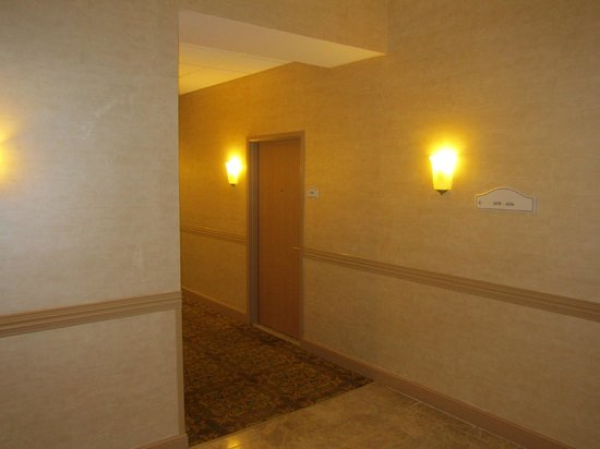 Hawthorn Suites by Wyndham West Palm Beach: Room Door