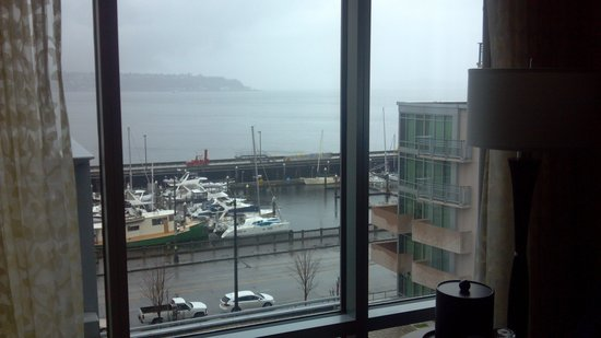 Marriott Waterfront Seattle: Nice view IF weather cooperates!