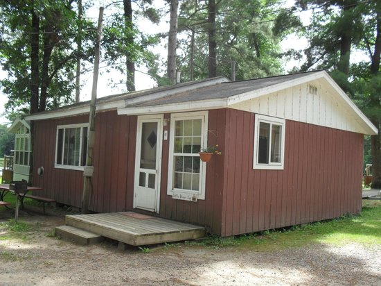 ‪‪Chetek‬, ‪Wisconsin‬: Little Brown Jug-sleeps 6‬