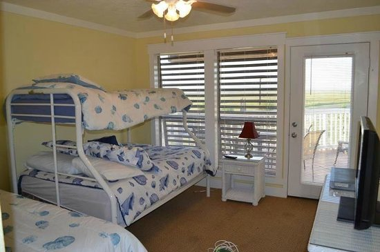 Mustang Island Beach Club: Unit 201 Guest Bedroom - 2 bdrm/2bath