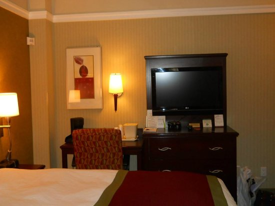 The Hotel at Times Square: Bedroom