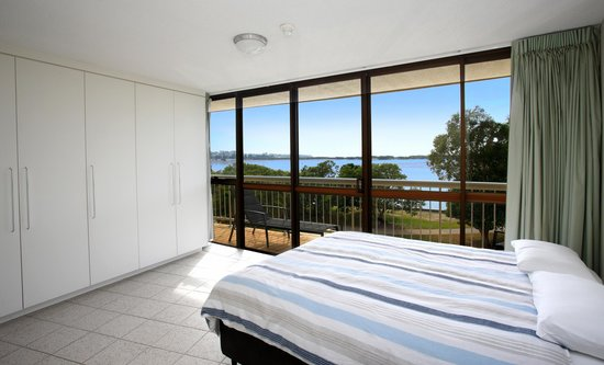 Gemini Resort: Master Bedroom with Ocean View