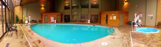 Red Lion Hotel Kalispell : The pool area 